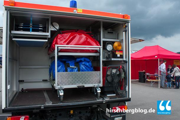 """""""Materialbomber"""" heißt der Einsatzwagen wegen seiner großen Ausstattung, wie beispielsweise zwei aufblasbare Zelte mit Heizsystem."""