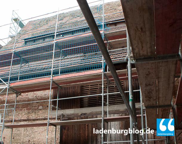 Die Antoniusscheune wird zum Altstadtfest noch eingerüstet sein. Danach sind die Dachreparaturen geplant.
